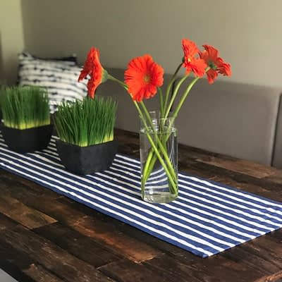 Use A Banquette In A Small Dining Area