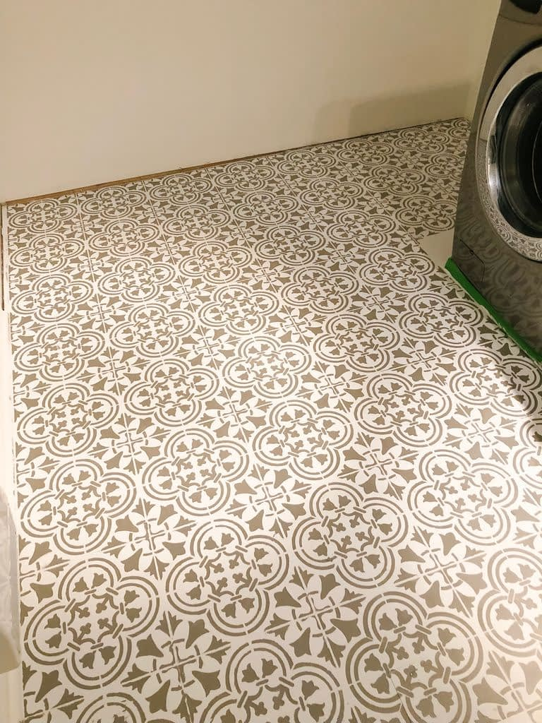 Final stencilled laundry room floor